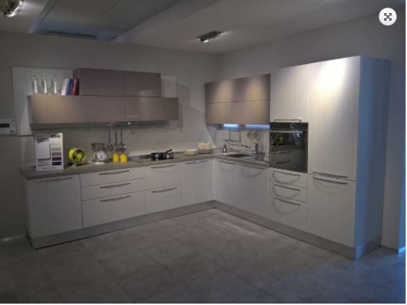 Veneta Cucine Moderne - Centro Cucine Oltrepo